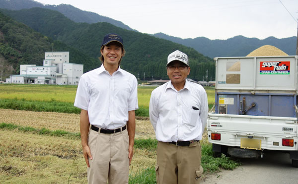 こだわり農家直送便バイヤー原と百笑のたなか園主田中さん